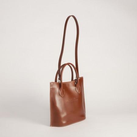 5622UK Classic Handle Handbag 2