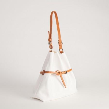 5894EUK Belted Handbag 2