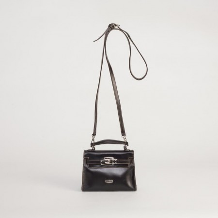5951UK Turnlock Handbag Black 1